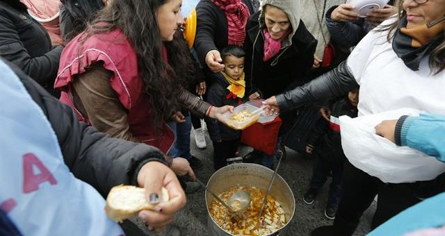 Los movimientos sociales presentaron el proyecto de ley de Emergencia Alimentaria
