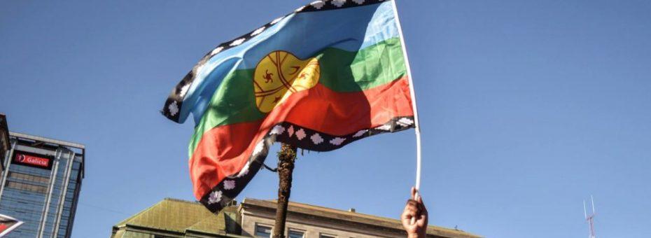 En apoyo al Pueblo mapuche: marcha antiliberal y feminista