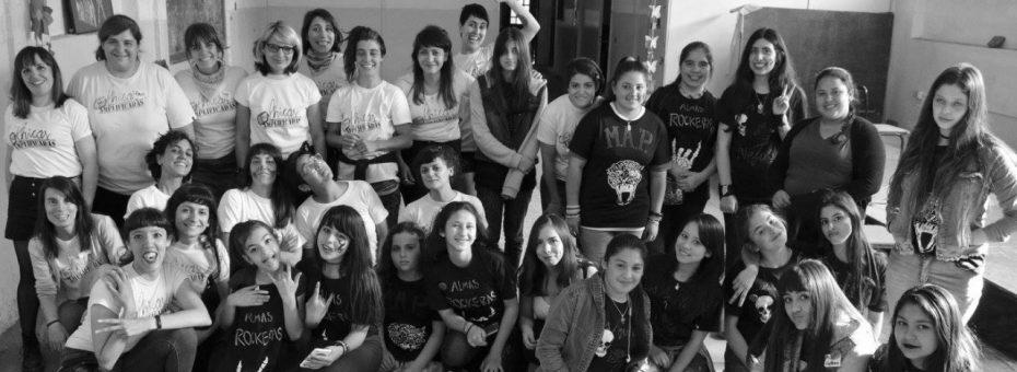 Chicas amplificadas: un campamento de rock para niñas