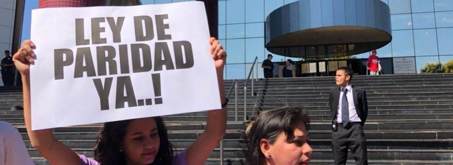 Paraguay: la paridad democrática puede convertirse en ley