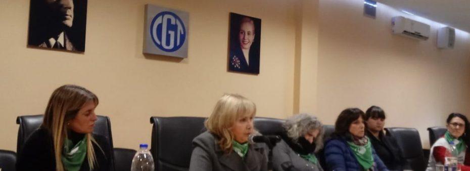 Histórico: la CGT se llenó de pañuelos verdes