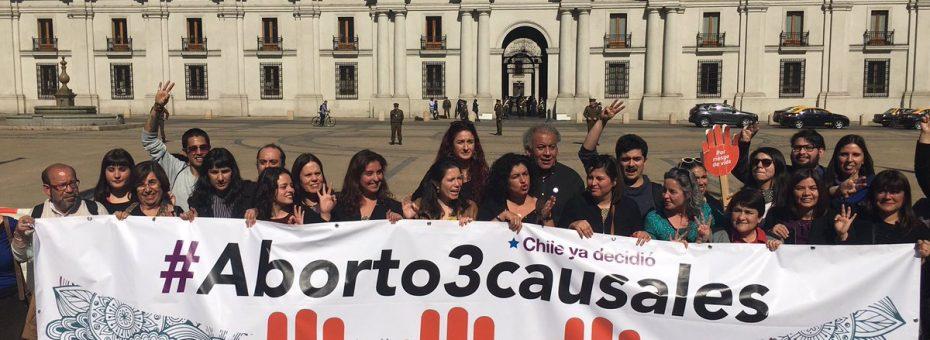 Histórico: el aborto bajo tres causales será ley en Chile