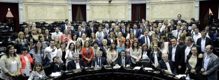 Histórico: la paridad es ley en Argentina
