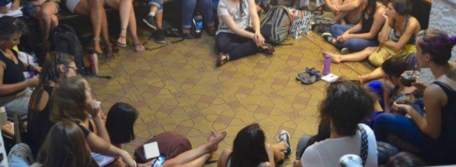 Sin estrados: Montevideo prepara el 8M