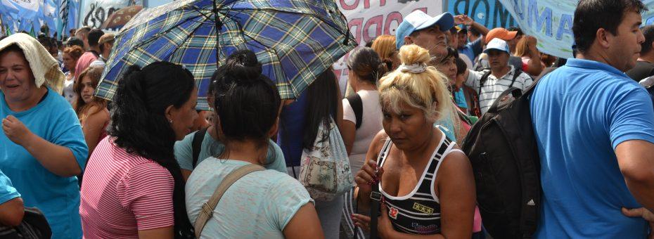 Las políticas de ajuste afectan los DDHH de las mujeres