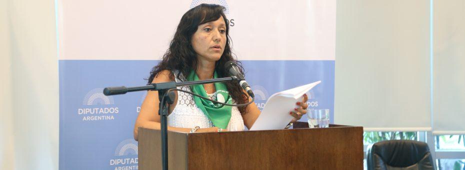 """#AbortoLegalYa: """"El Estado viola el derecho a la vida de las mujeres más pobres"""""""