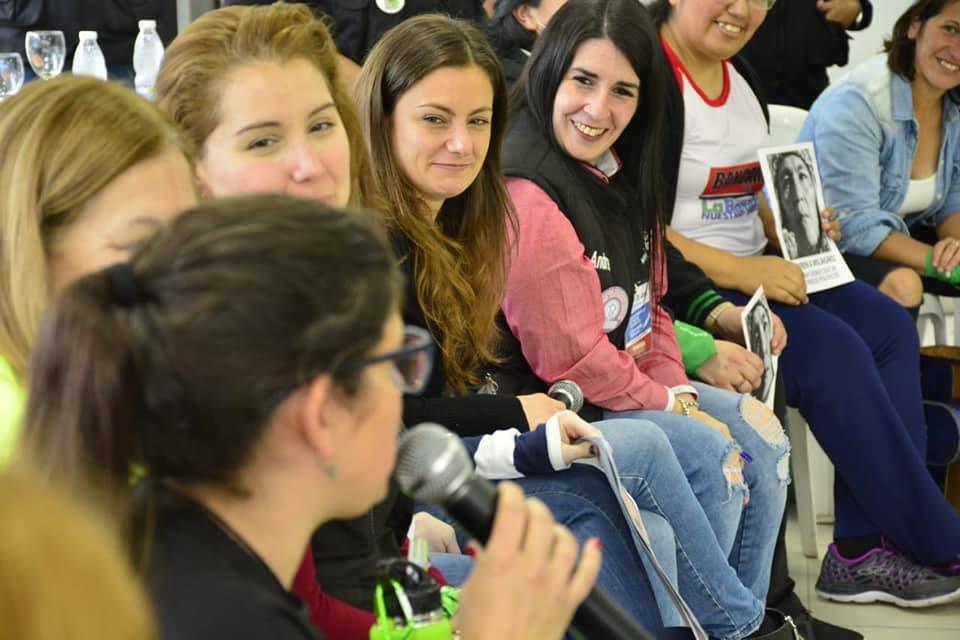 La diputada Vanesa Siley y mujeres sindicalistas en Moreno