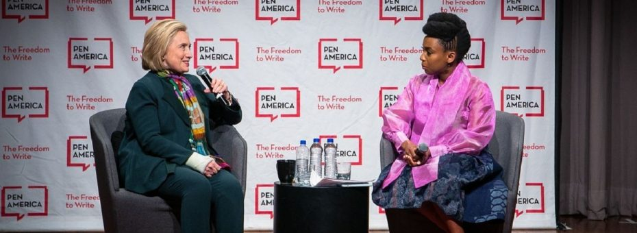 Cuando Chimamanda conoció a Hillary: una historia de cómo los liberales se acomodan al poder