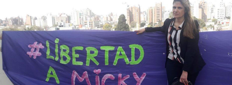 Córdoba: comenzó el juicio contra la joven acusada de herir en los genitales a un hombre